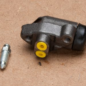 Front Wheel Cylinder (right hand)