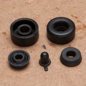 Front Wheel Cylinder Repair Kit (2 Cylinders)