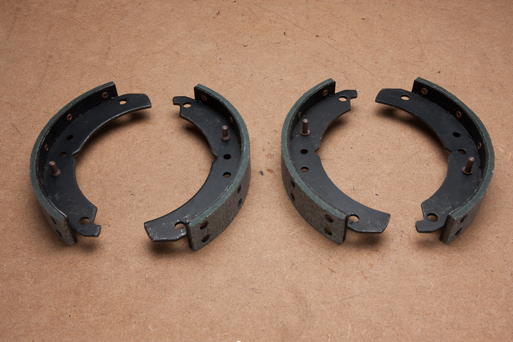 Lodal Front Axle Brake Shoes : Front brake shoes cc axle set ford anglia e